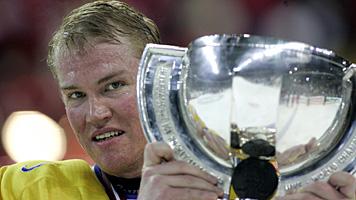 Bild på Kenny Jönsson från sist Sverige vann Ishockey-VM