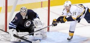 110813-NHL-Pavelec-Hornqvist-PI-AA_20131108225017329_660_320